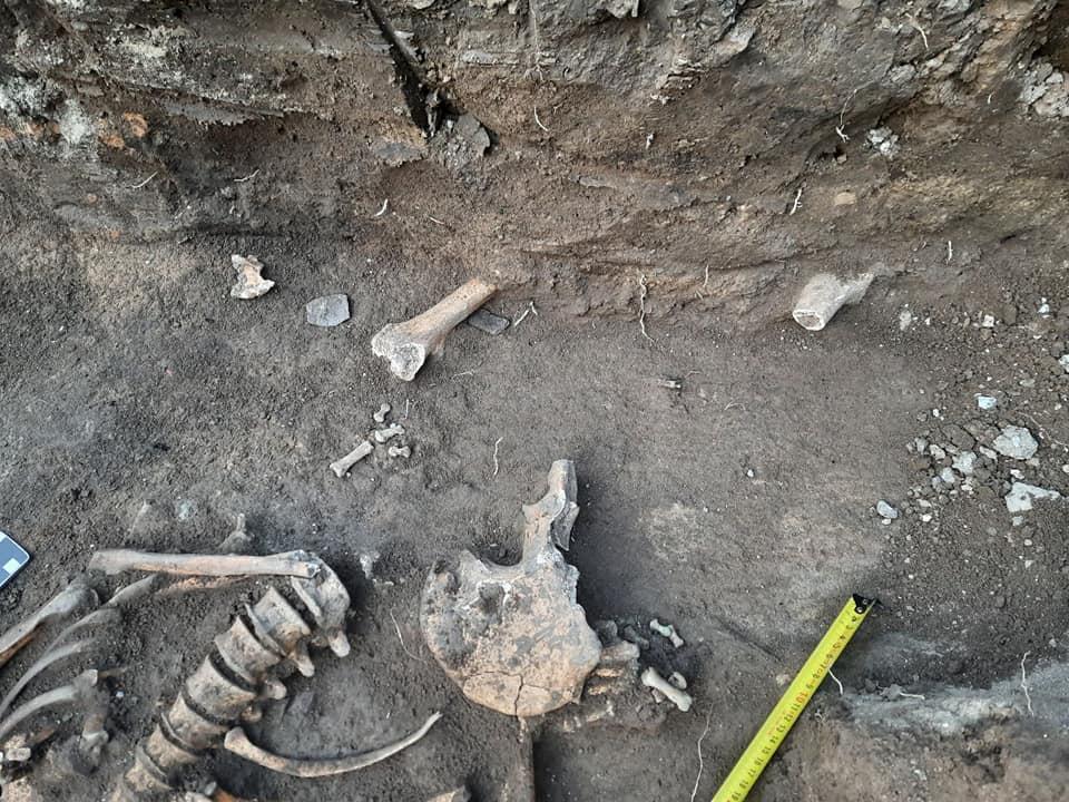 Археологи нашли древнее захоронение в Каменец-Подольском